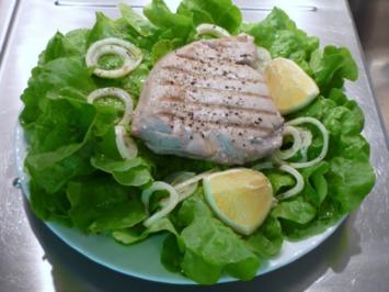 Thunfischsteaks auf Salatbett...... - Rezept