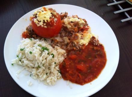 Gefüllte Tomaten mit hackfleisch-schafskäsefüllung - Rezept