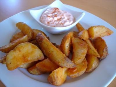 Country Potatoes mit feurigem Dip - Rezept