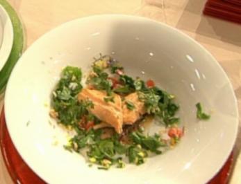 Bachsaibling in Tee geräuchert mit Wildkräuter-Salat a la Kim - Rezept