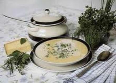 Käserahmsuppe mit Weißwein - Rezept