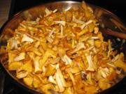Rinderschnitzel mit Eierschwammerlsauce (Pfifferlingsauce) - Rezept