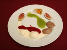 Selbst gemachtes Vanilleeis mit Himbeermark an Kiwischaum - Rezept