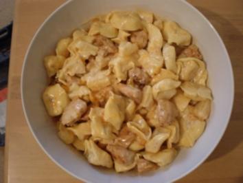 Tropischer Tortellini-Salat mit Hühnchen - Rezept