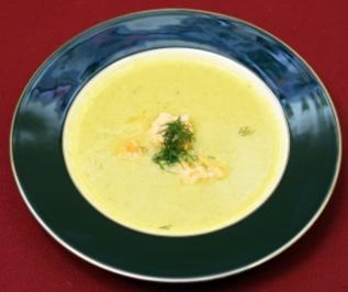 Gurkensuppe mit Lachs (Aleks Bechtel) - Rezept