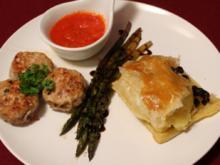 Orientalische Frikadellen mit grünen Spargel, Spicy Mojo und Kartoffel-Rosinen-Püree - Rezept