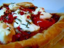 Blätterteig-Tarte mit Tomaten und Ziegenkäse - Rezept