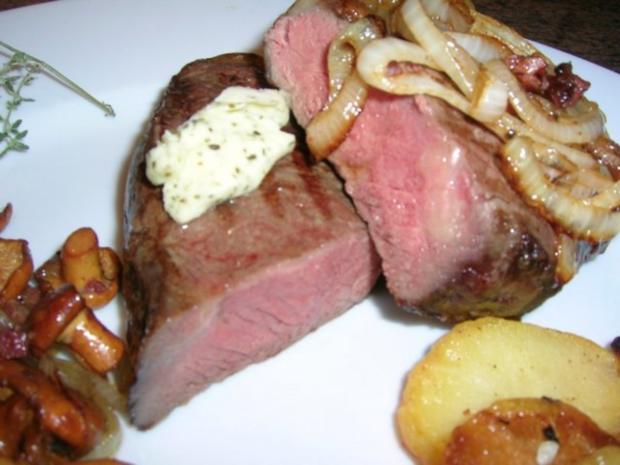 Rumpsteak mit Pfifferlingen und Bratkartoffeln aus rohen Kartoffeln - Rezept