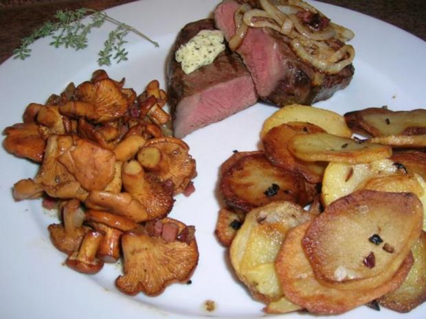 Rumpsteak mit Pfifferlingen und Bratkartoffeln aus rohen Kartoffeln - Rezept - Bild Nr. 5