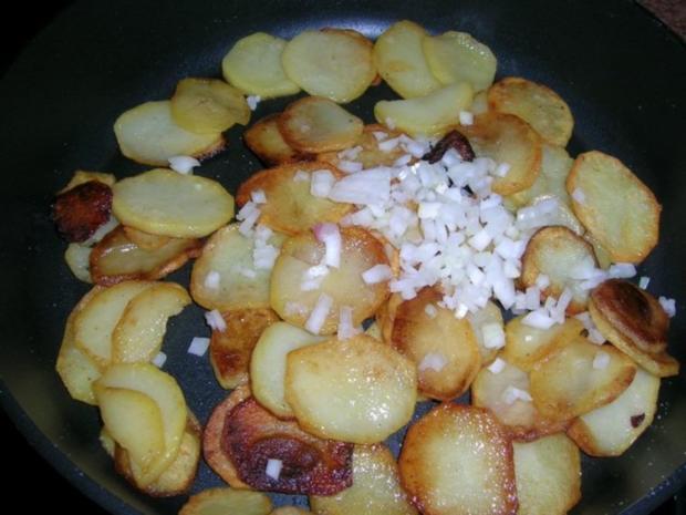 Rumpsteak mit Pfifferlingen und Bratkartoffeln aus rohen Kartoffeln - Rezept - Bild Nr. 12
