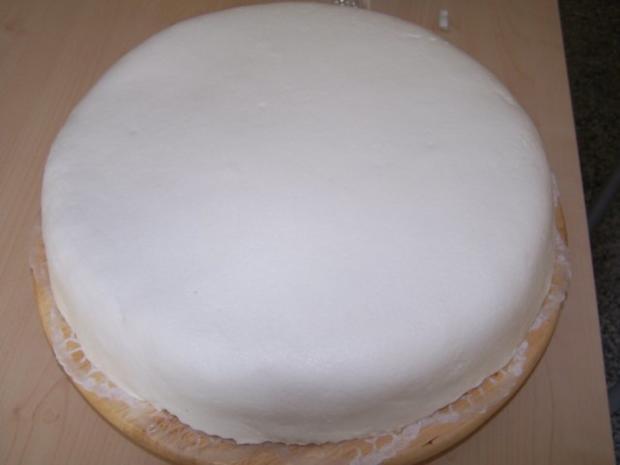 Torte Zur Taufe Meines Patenkindes Rezept Kochbar De