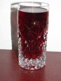 Getränke: Ingwer-Johannisbeer-Getränk - Rezept