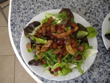 Salat mit Kalbsleber,Birnen und Weintrauben - Rezept