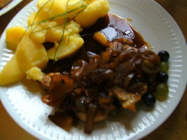 Zwiebel Weintrauben-Soße mit Hähnchenbrust - Rezept - Bild Nr. 4