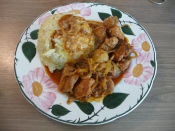 Gulasch : Zwiebelgulasch an Kartoffel-Blumenkohlstampf - Rezept
