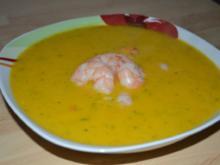 Kürbis-Koriander-Suppe mit Garnelen - Rezept