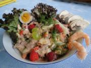 Bunter Garnelen-Obstsalat mit selbstgebackenen  Sonnenblumenbrot - Rezept