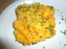 Hokkaidokürbis- Kartoffelpüree mit Röstzwiebel - Rezept