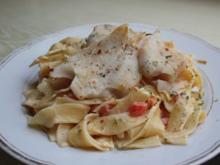 Seehecht auf Paprika-Rahm-Pasta - Rezept