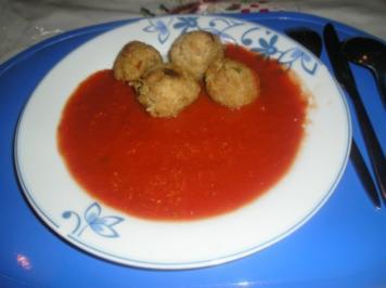 Fritierte Reisbällchen mit Tomatensauce - Rezept