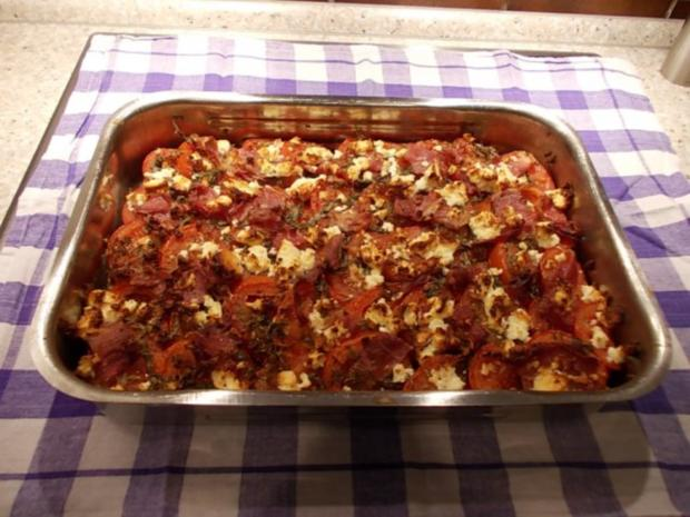 Brotauflauf mit Tomaten und Schafskäse - Rezept