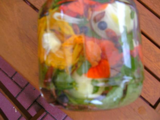 Blütenessig aus Kapuzinerkresse - Rezept - Bild Nr. 4