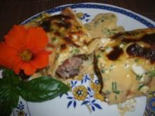 Gefüllte Pfannkuchen mit Käsesoße- gratiniert - Rezept