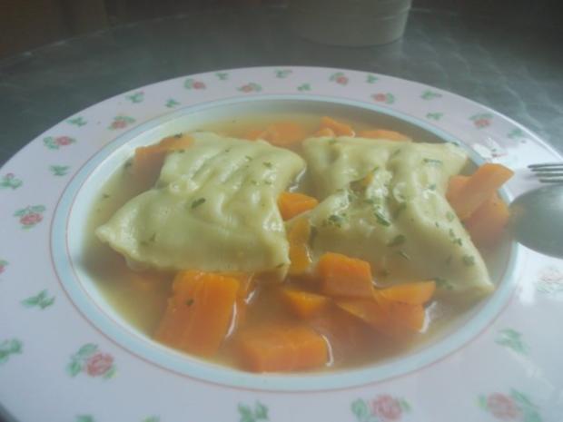 Maultaschensuppe mit Gemüsefüllung - Rezept - Bild Nr. 2
