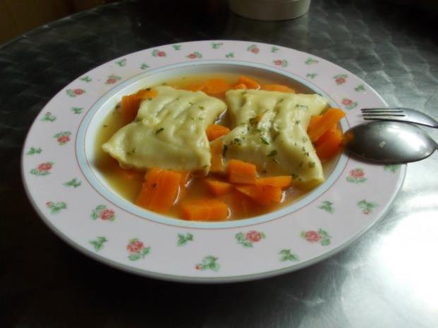 Maultaschensuppe mit Gemüsefüllung - Rezept - Bild Nr. 3