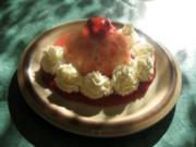 Dessert - Buttermilchgelee mit Erdbeermousse überzogen - Rezept