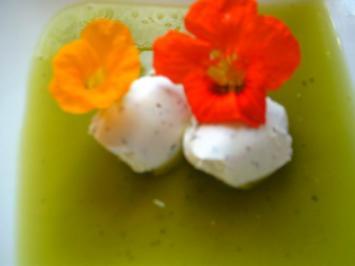 zwei Varianten: Kapuzinerkressen-Suppe - Rezept