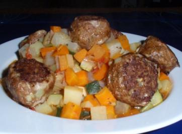 Kartoffelgemüse mit Fleischklößchen - Rezept