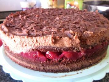 Minz-Schoko-Torte mit Kirschen - Rezept