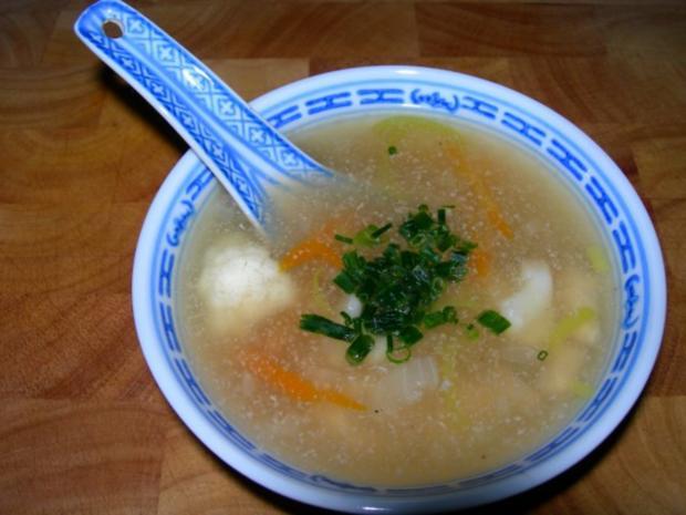 Chinesische Hühnersuppe mit Gemüse - Rezept