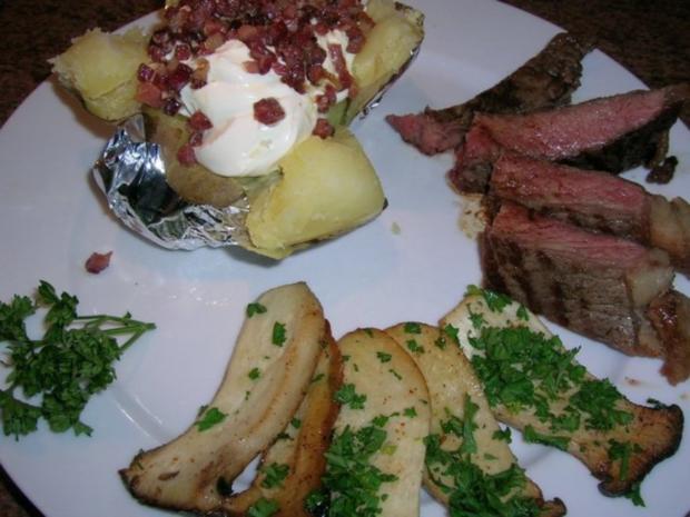 T-Bone Steak mit Folienkartoffel + Créme fraiche+Speckwürfel, Kräuterseitlinge - Rezept - Bild Nr. 3