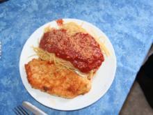 Putenschnitzel Parmigiana mit Tomatensauce - Rezept