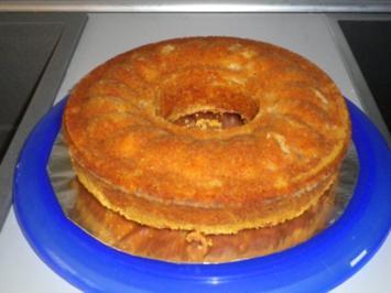 Safran - Apfel - Kuchen mit Marzipan und Nüssen - Rezept