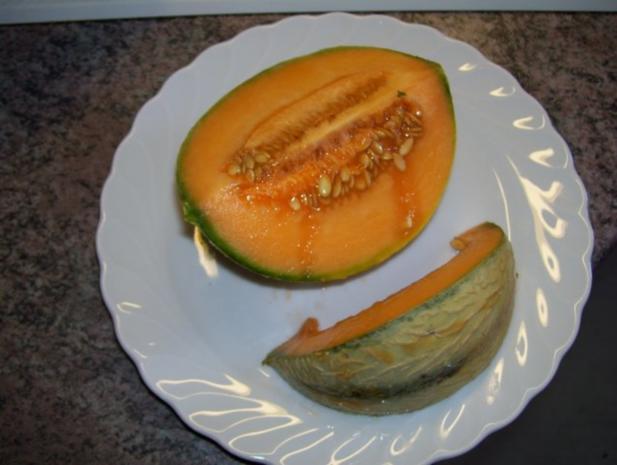 Avocado mit charentais Melone auf Rucola gebettet - Rezept - Bild Nr. 2