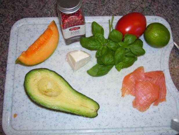 Avocado mit charentais Melone auf Rucola gebettet - Rezept - Bild Nr. 3