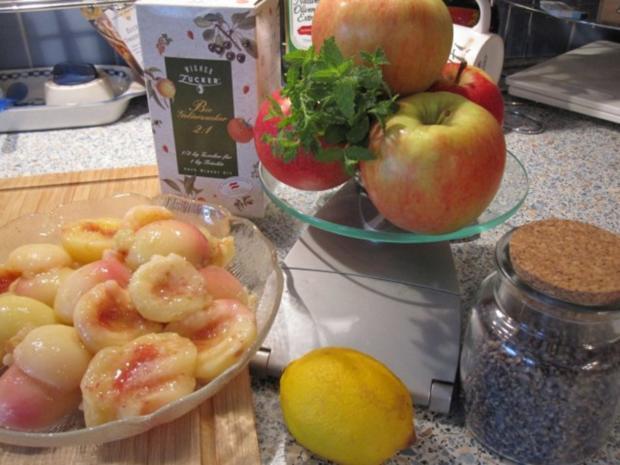 Weinbergpfirsich-Apfel-Marmelade mit Erdbeerminze und Lavendel - Rezept - Bild Nr. 3