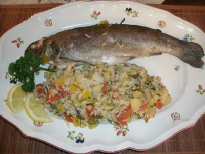 Forellen auf buntem Kräuter-Gemüsereis - Rezept