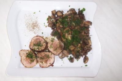 Gefülltes Schweinefilet an Pilzen - Rezept
