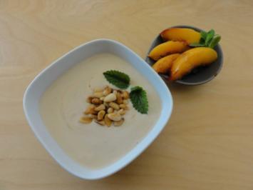 Rezept: Espresso-Joghurt mit Honig und karamelisierten Nektarinen