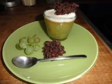 Trauben-Gelee mit Mandelschäumchen und Mandelsplitter - Rezept