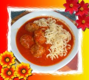 Hack : Fleischbällchen in Tomatensoße - Rezept