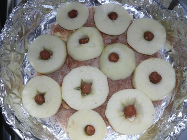 Omas feine umgedrehte Apfeltorte - Rezept - Bild Nr. 6