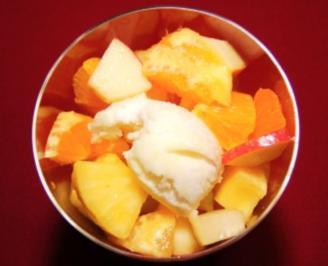 Frischer Obstsalat mit Zitronen-Sorbet (Roberto Blanco) - Rezept