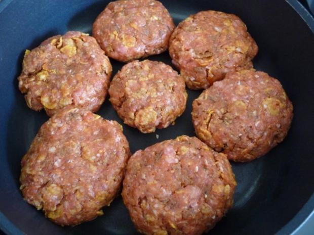 Hackfleisch : Fleischküchle mit Gurkensalat und Salzkartoffeln - Rezept - Bild Nr. 3