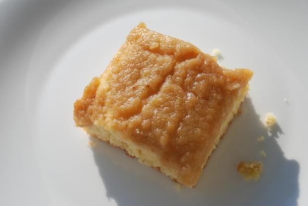 Warmer Apfelmuskuchen - Rezept