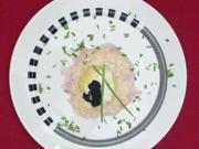 Kartoffel-Kaviar-Knödel auf mariniertem Loup de mer mit weißer Periyar-Pfeffer-Butter - Rezept